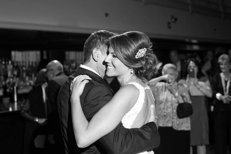 Gregory and Lindsay - Blueflash Photography 435.jpg