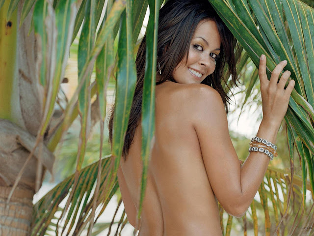 Hot Model Brooke Burke Nude Wallpaper