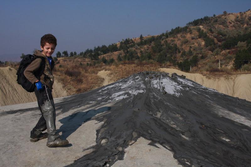 Buzau Berca fenomene geologice diapir Romania drumetie
