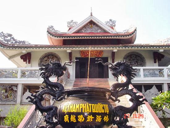 Hồn thiêng nước Việt trên đất Phật