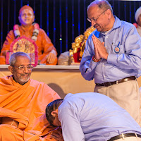 Arunbhai Swamiji Blessing.jpg