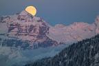 LE SOLEIL A RDV AVEC LA LUNE     Pleine lune sur la vallée du Giffre depuis Montarquis - 2 -