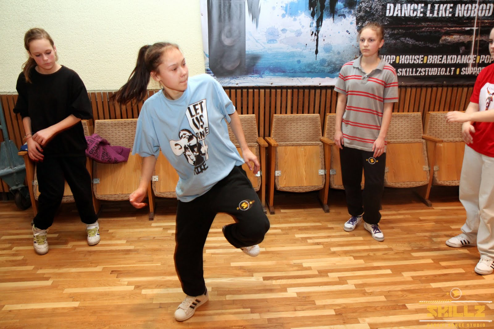 Hip- Hop workshop with Shaadow (UK) - IMG_1855.jpg