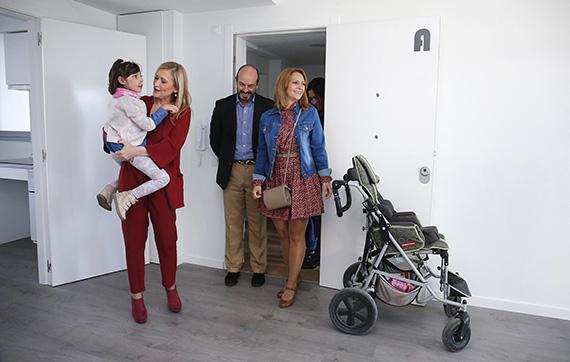 La Comunidad de Madrid entrega 194 viviendas públicas en régimen de alquiler