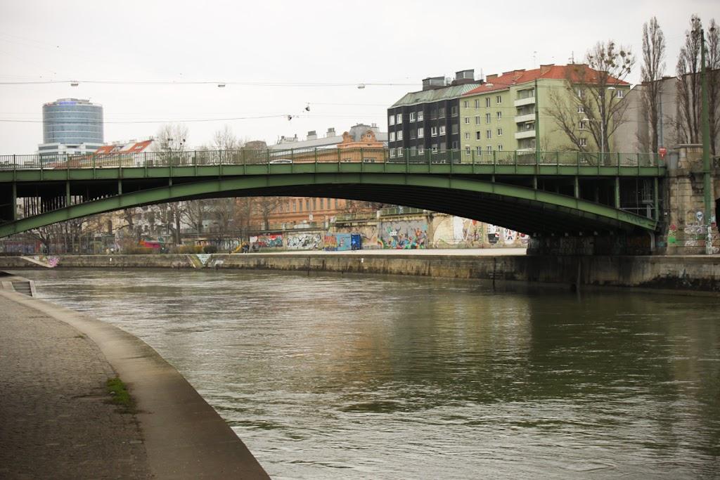 Austria - Vienna - Vika-3660.jpg