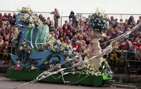 2001.02.24-141.19 bataille des fleurs