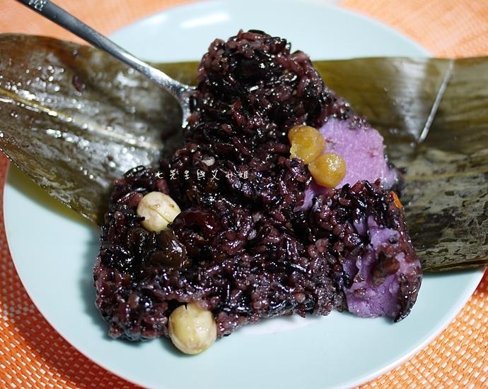 12 新東陽小湘粽 紫米 八寶甜粽 雪藏綠豆糕