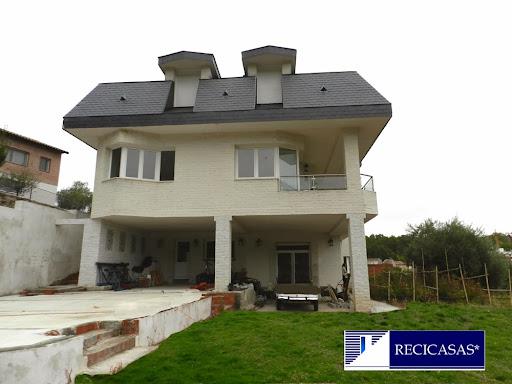 Casa en venta con 360 m2, 4 dormitorios  en Arenas de San Pedro, Casco