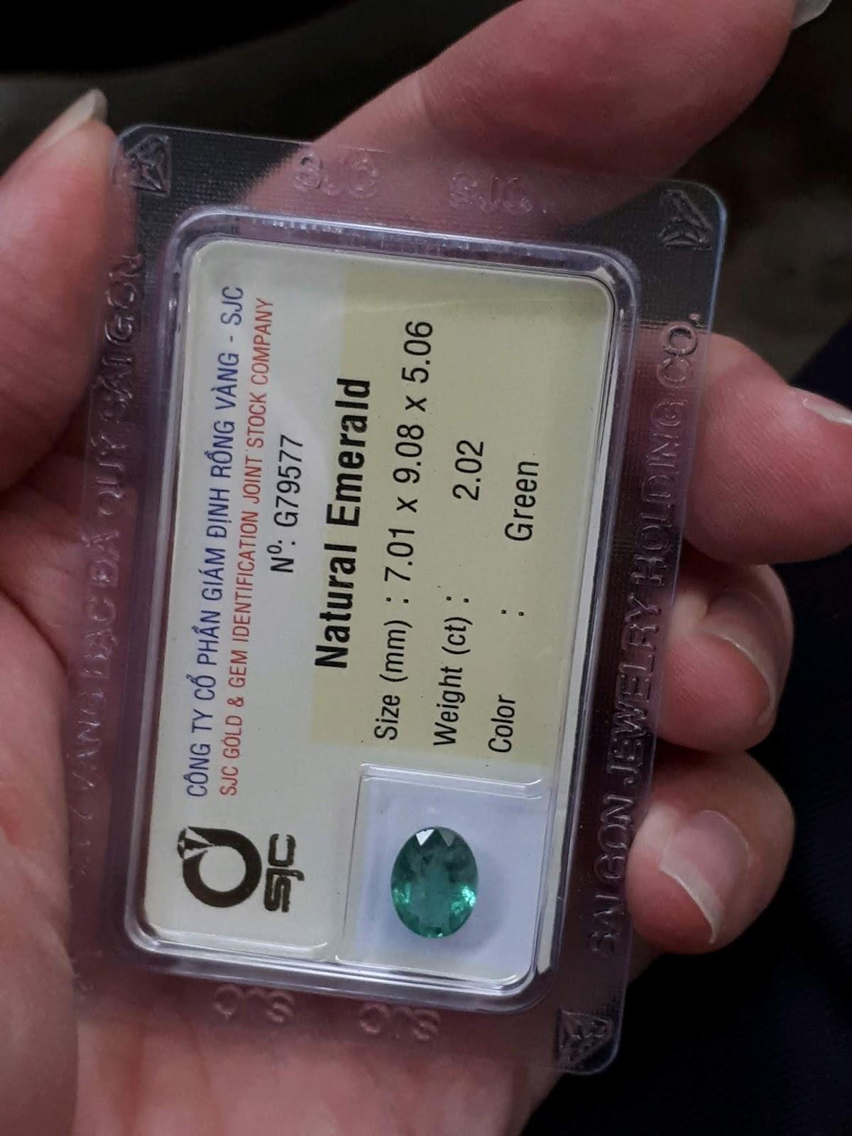 Đá Emerald Ngọc Lục Bảo thiên nhiên 2,02cts đã kiểm định SJC Rồng Vàng
