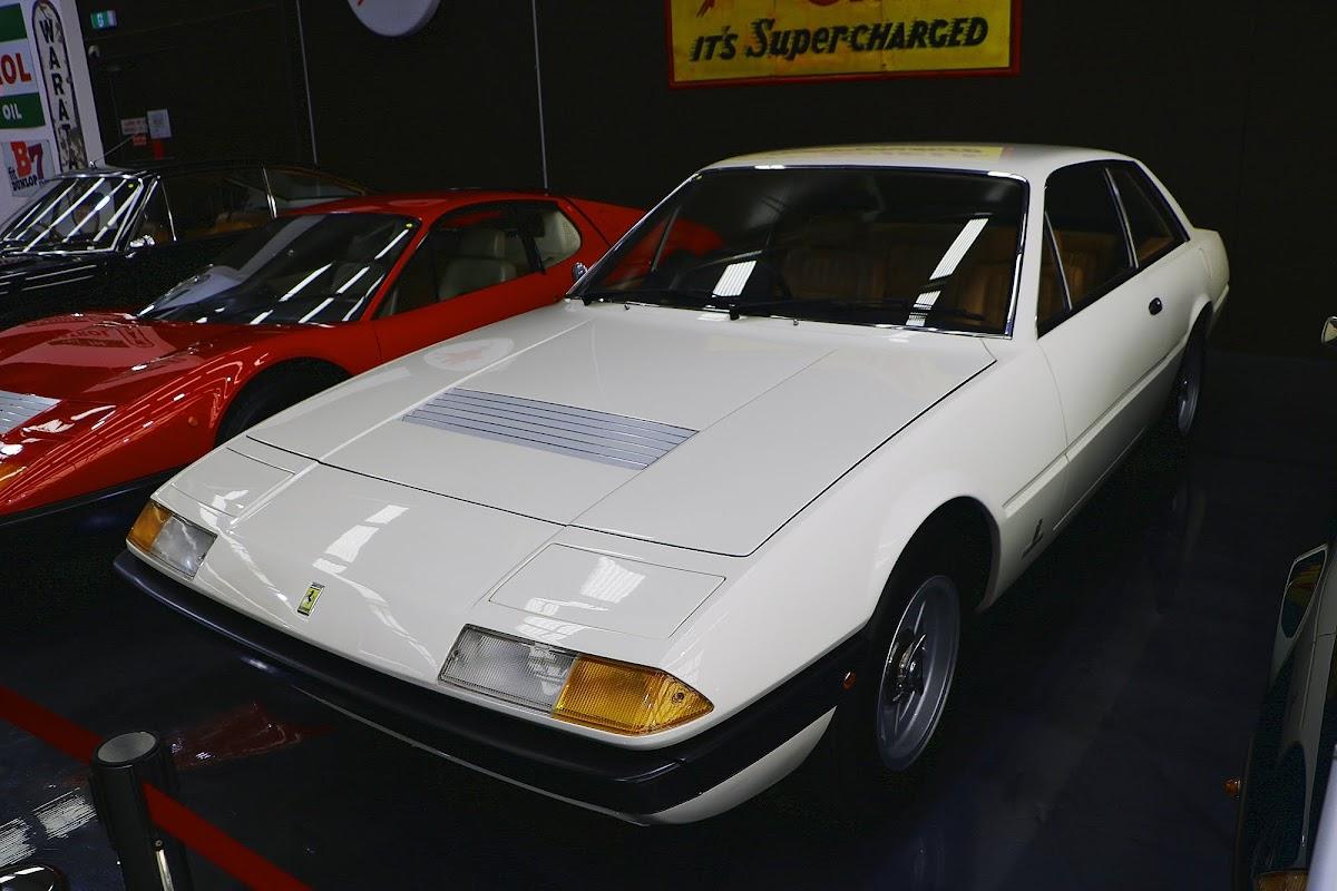 1975 Ferrari 365 Boxer GT4 (02).jpg