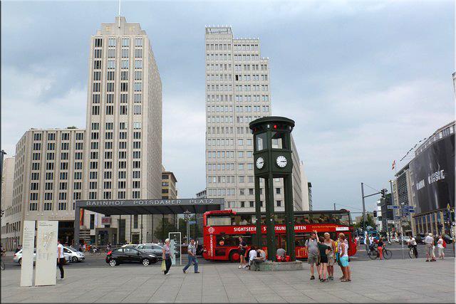 Primer semáforo - Potsdamer Platz - Berlín'15