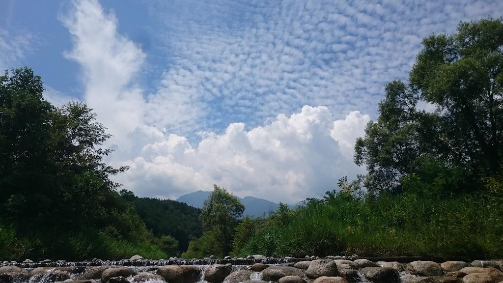 長野県飯島町の与田切公園の空の写真