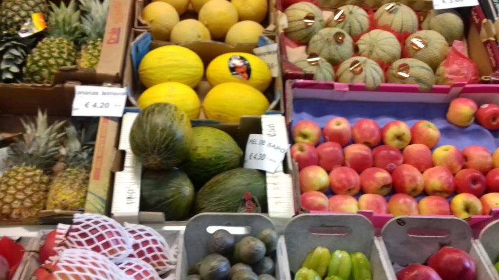 De Kleuters maken zelf een fruit- en groentewinkel. - 4.jpg