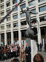 Елена Гагарина и Майкл Кентский после открытия памятника Юрию Гагарину