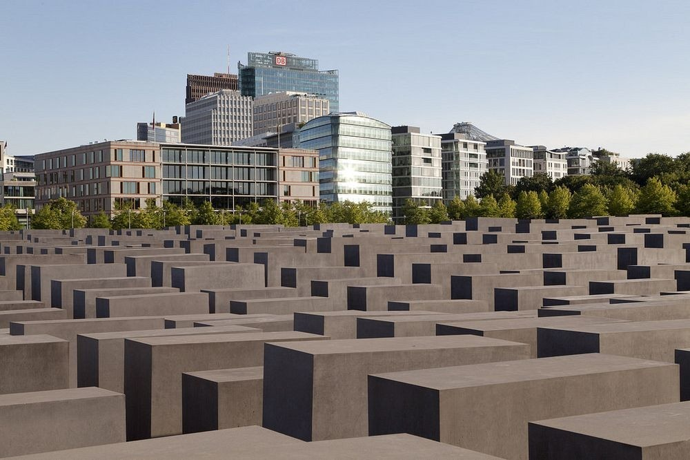 memorial-murdered-jews-europe-berlin-12