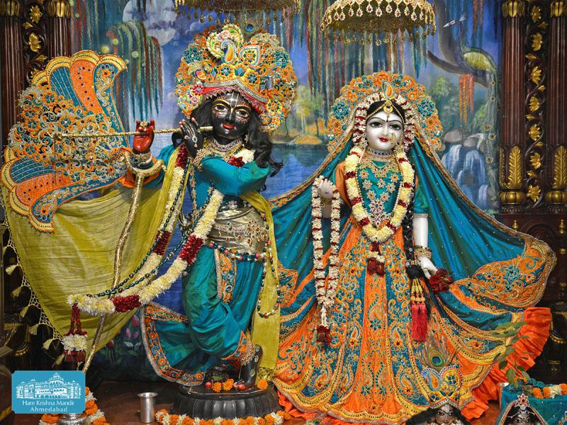 ISKCON Hare krishna mandir Ahmedabad 14 Dec 2016 (1)