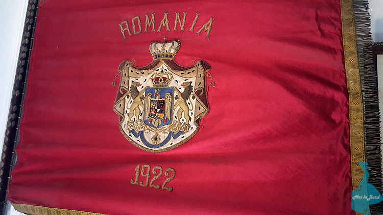 steag incoronare prima scoala romaneasca brasov