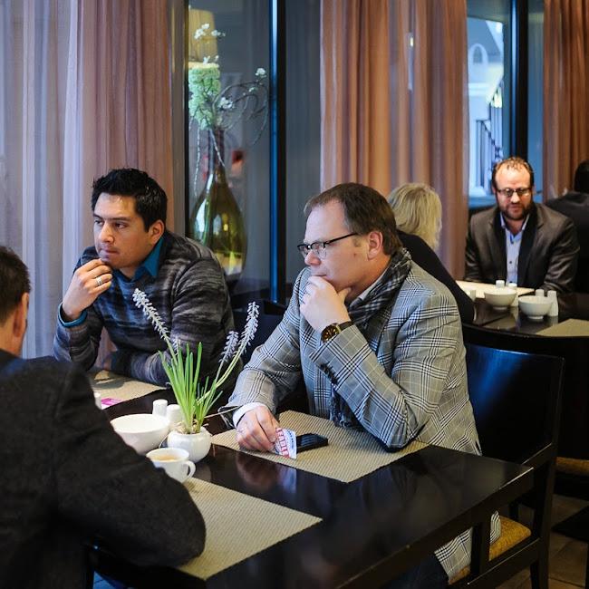 Global-Networks-Groningen-Lunch-April-2014-10.jpg