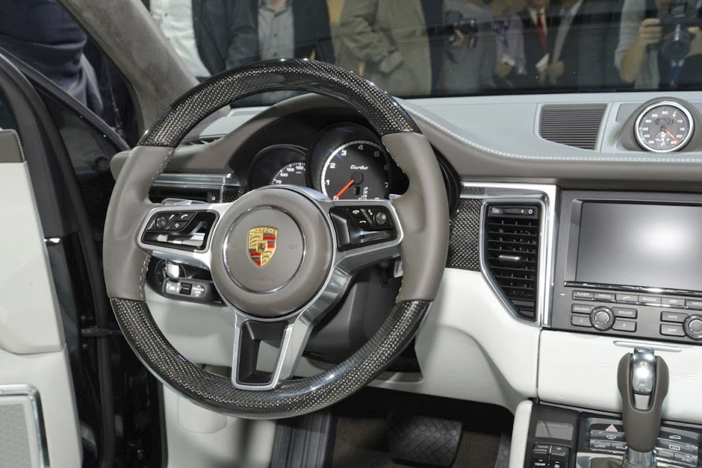 2014 Porsche Macan 762