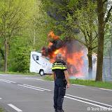 Camper brandt volledig uit op Turfweg - Foto's Teunis Streunding