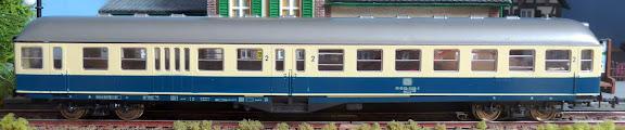 Roco 4281: Stuurstandrijtuig 2e klasse met bagageafdeling