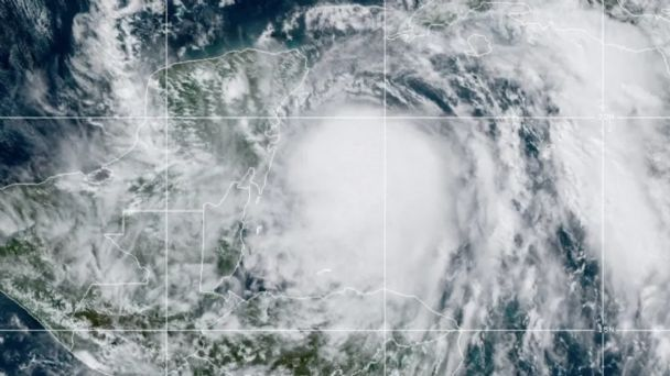 Huracán Zeta: Alerta ROJA en ocho municipios de Quintana Roo