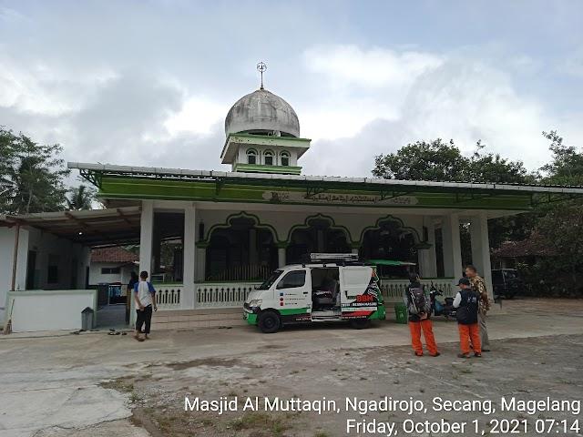Bersih masjid Al Muttaqin, Ngadirojo, Secang, Magelang