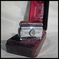 Ronson - 1949 - USA -  Un rasoir au Concept Original.... Performant ! IMG_2628%252520%252528Custom%252529