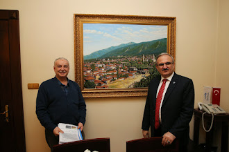 Photo: Painter Abdullah Cavus's Art Gallery Balibeyhan Sergi Salonu Bursa- TURKIYE Sayın Bursa Valimizin makam odasındaki Eski Bursa tablosu 120 x 90 cm