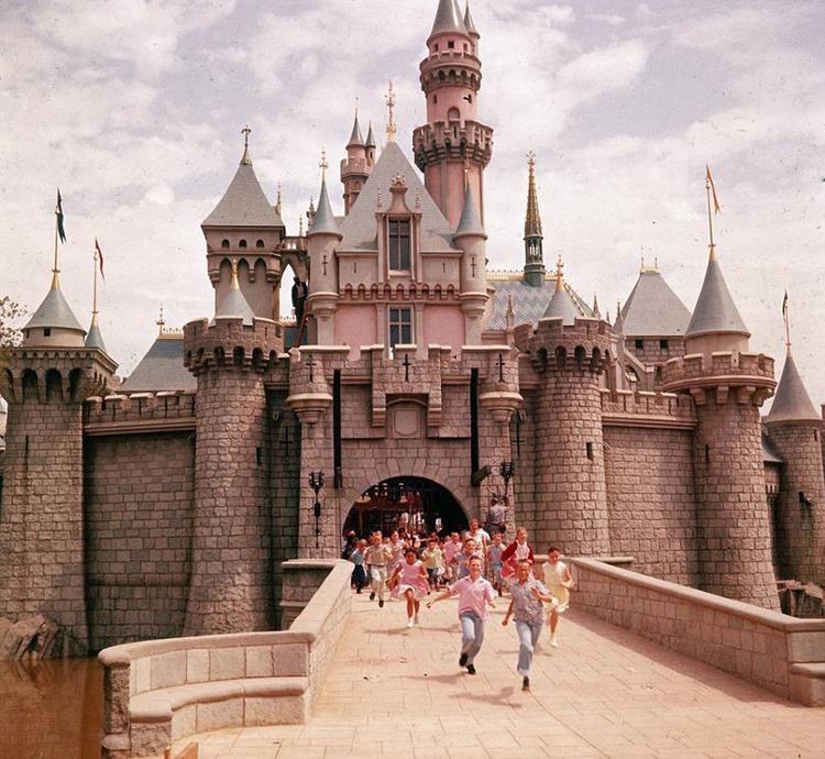 Fotografías de la apertura de Disneyland en 19955