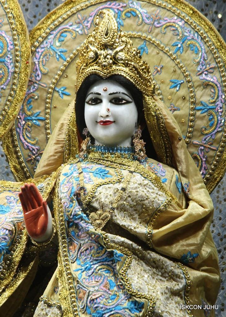 ISKCON Juhu Mangal Deity Darshan on 29th May 2016 (17)