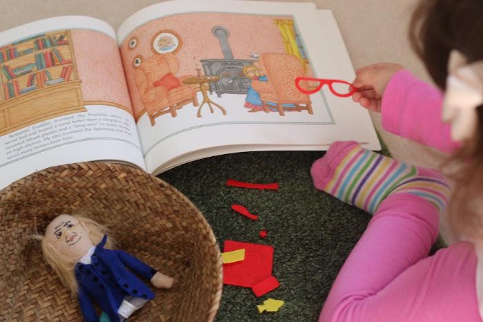 Biography children, reading biography children, Montessori biography, Benjamin Franklin, fuzzy felt, puppets
