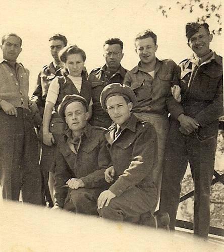 Бойцы Еврейской Бригады в Италии. Фаня Розенфельд (Басс) – третья справа