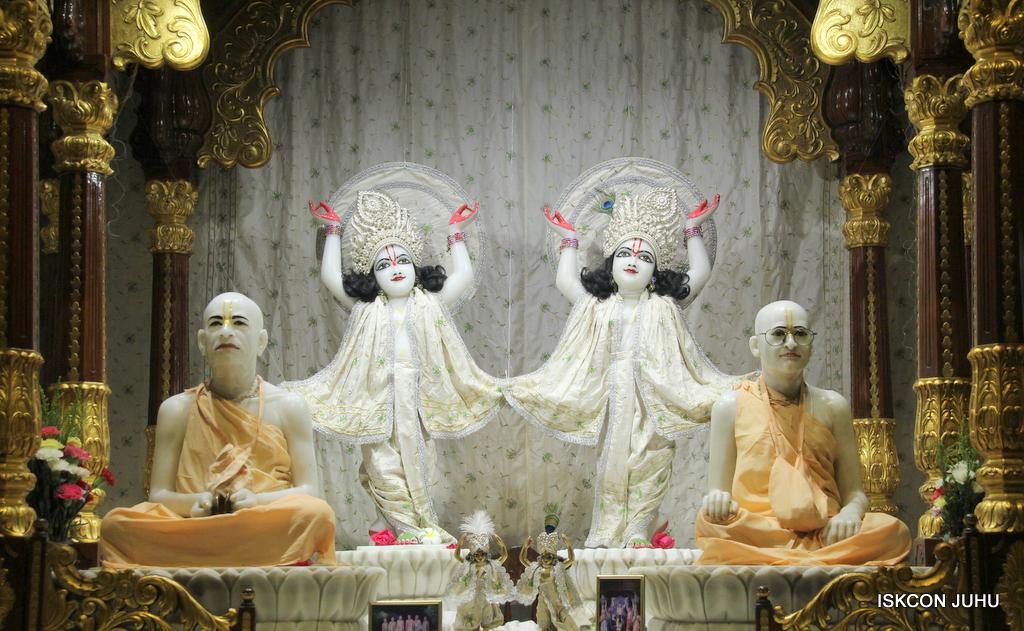 ISKCON Juhu Mangal Deity Darshan on 8th Sep 2016 (38)