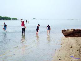 family trip pulau pari 090716 Fuji 147