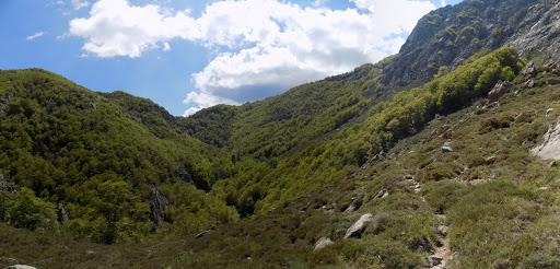 Une vue bien dégagé au pied du Monte Lattone