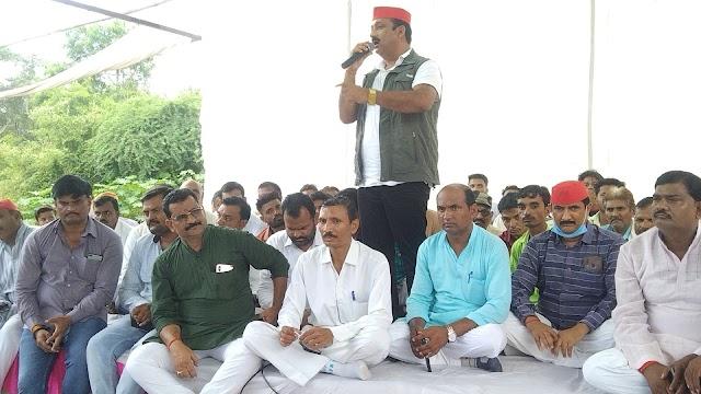 गरौठा में गरजे पूर्व विधायक दीपनारायण सिंह, लोगों को सौंपी जिम्मेदारी