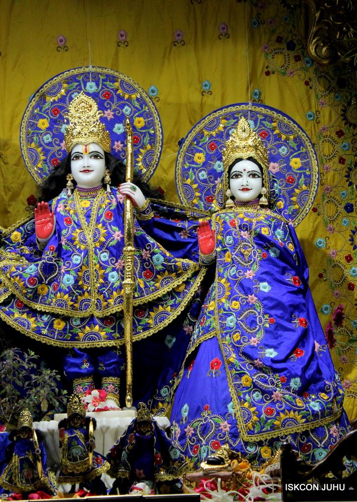 ISKCON Juhu Mangal Deity Darshan on 17th Jan 2017 (3)