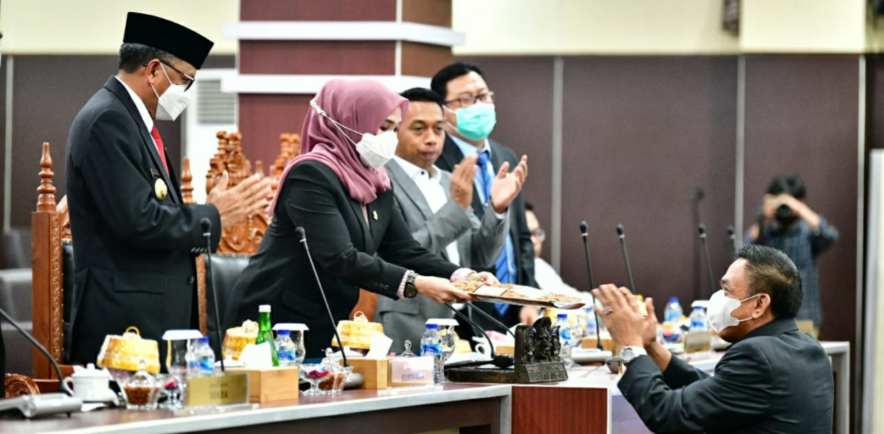 DPRD Setujui APBD 2021, Gubernur NA: Kita Punya Visi Sama Memajukan Sulsel