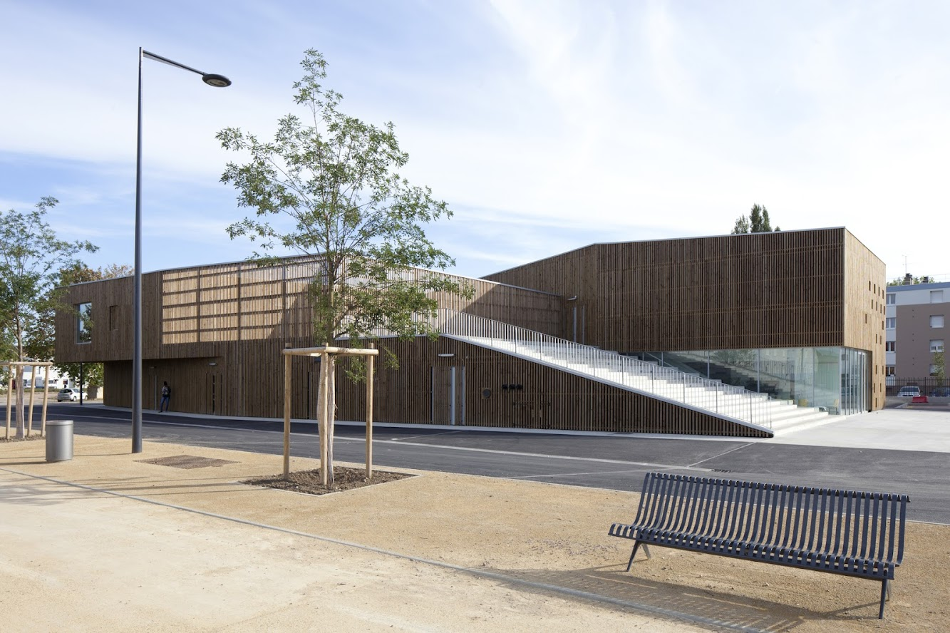 Nevers, Francia: Cultural Center by Ateliers O-S Architectes