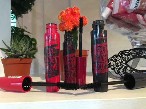 forbidden volume rebel mascara