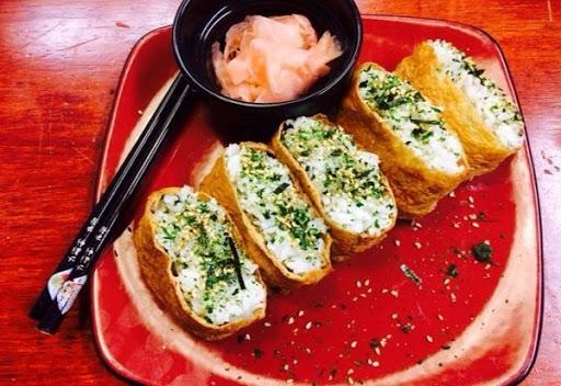 Đậu phụ cuộn cơm kiểu Nhật