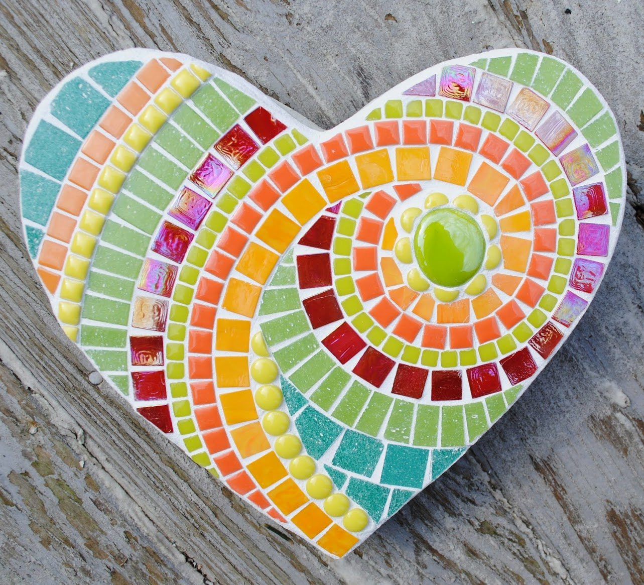 Key Lime Small Mosaic Heart Stepping Stone MOO5053