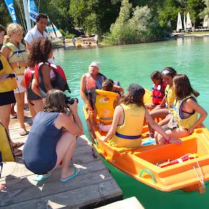 Un groupe de jeunes Saharaouis découvrent le lac