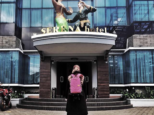 hotel serena berdekatan dengan station kereta api bandung indonesia