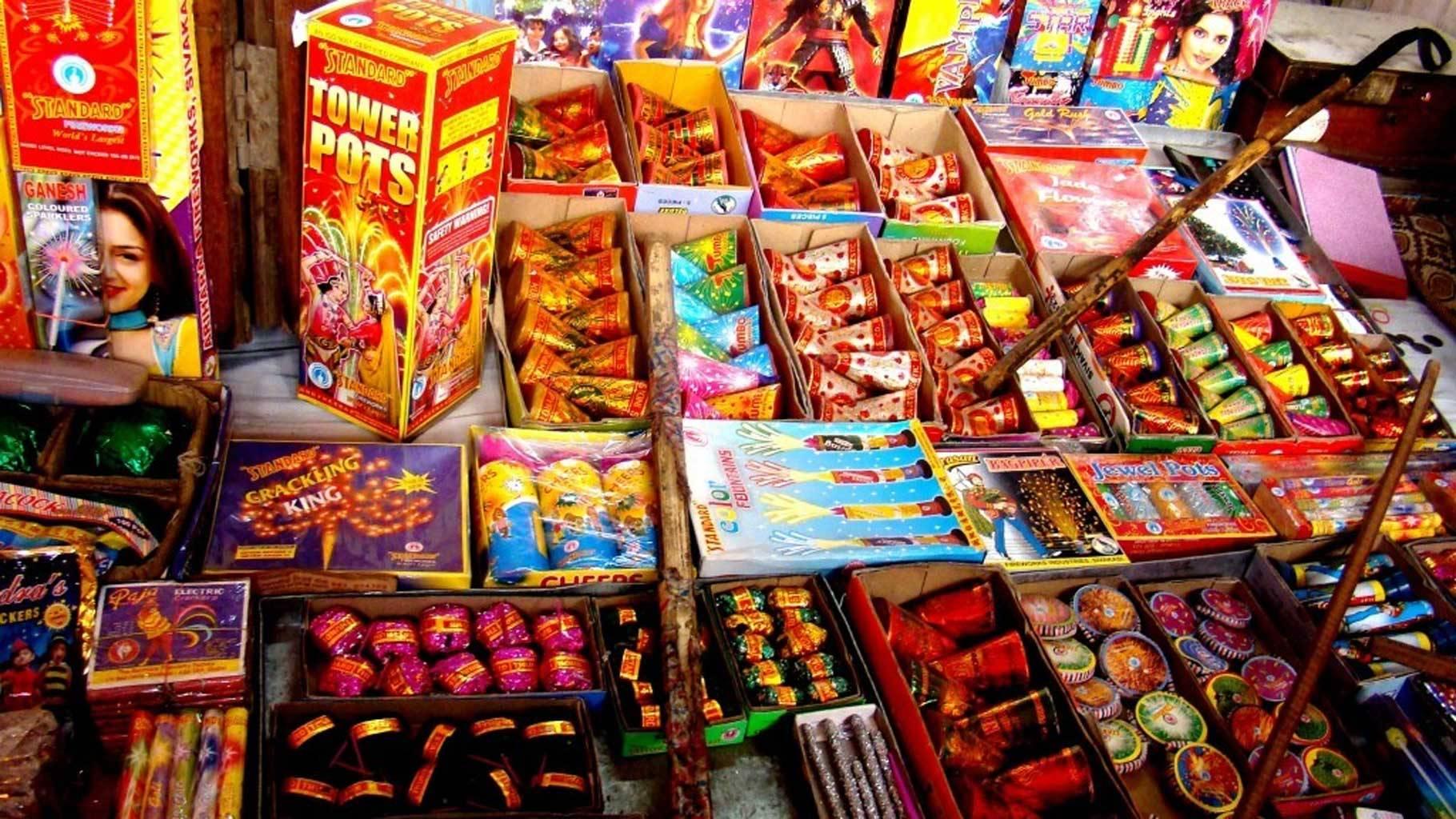 दीपावली का त्यौहार क्या अपना अस्तित्व खो रहा है