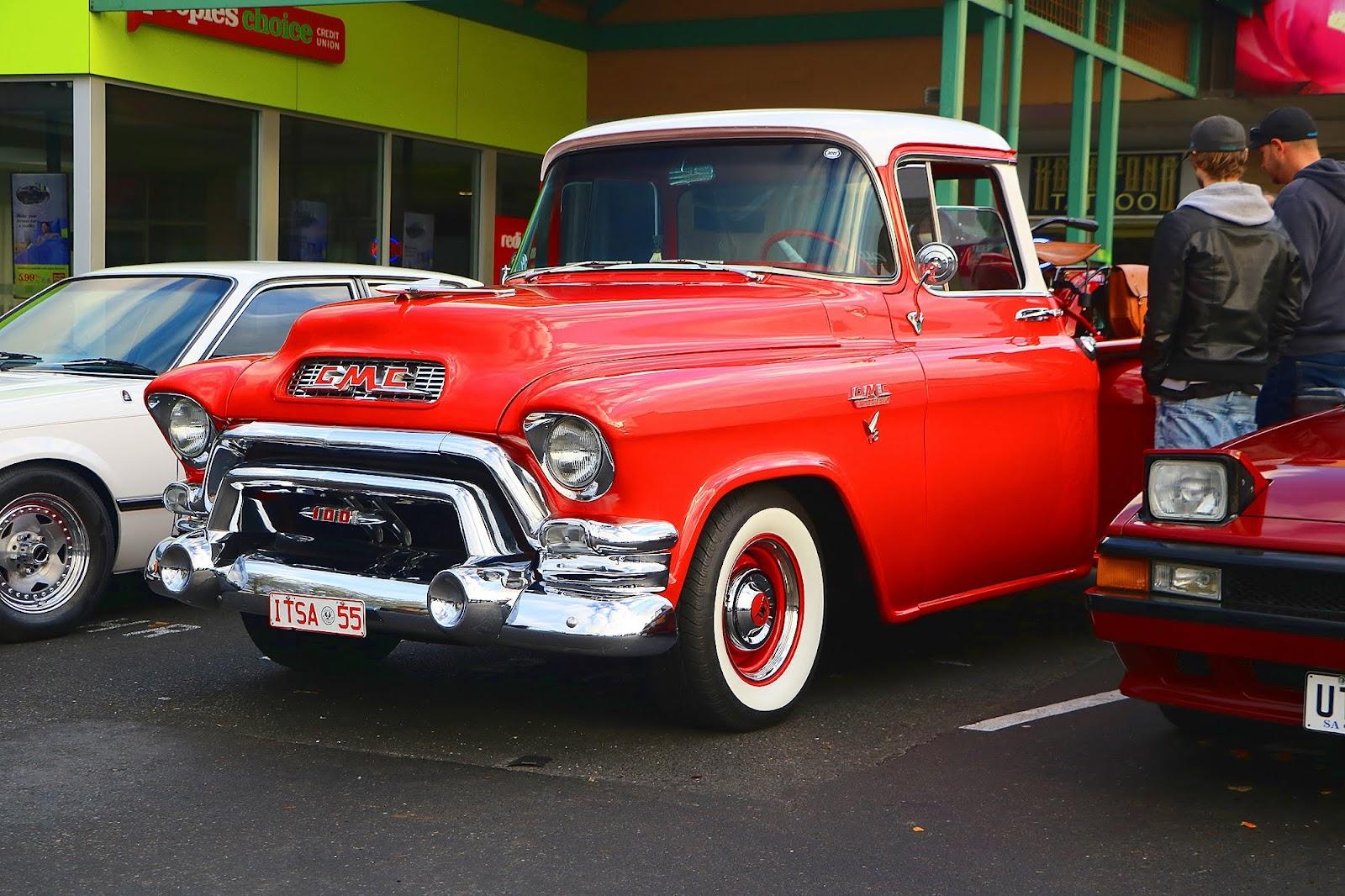 1955 GMC Truck Front Left.jpg