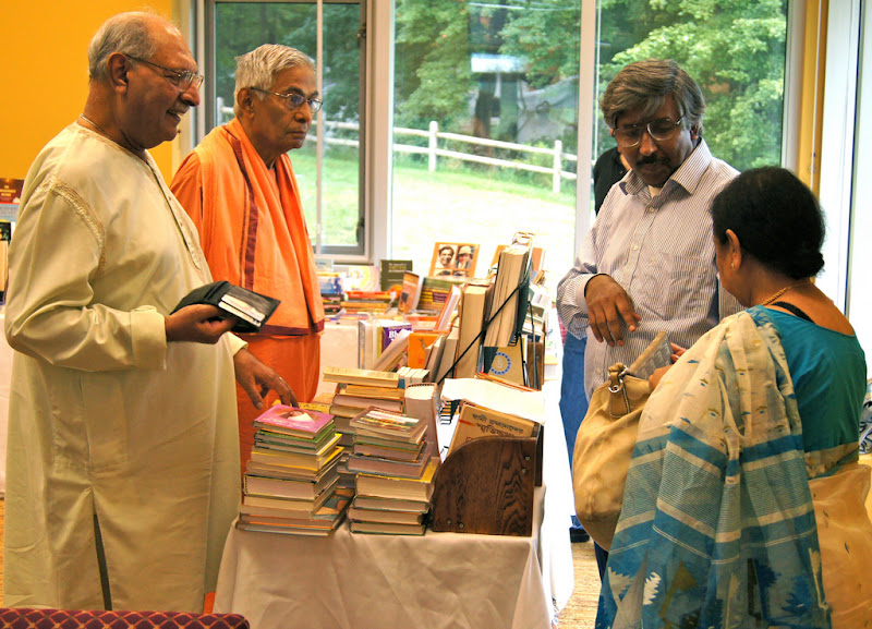 Discussing, buying books