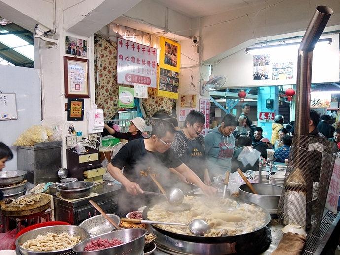 3 嘉義東市場牛雜湯、筒仔米糕、火婆煎粿