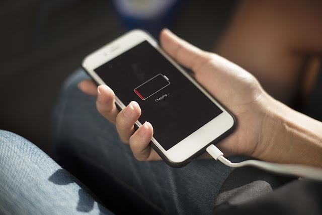 32 تطبيقًا يجب إلغاء تثبيتها إذا كنت تريد الحفاظ على بطارية هاتفك